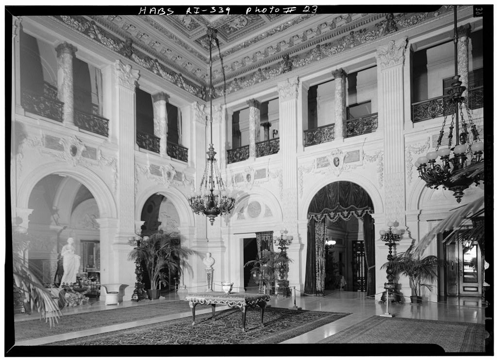 Old photo of the Grand Hall from  http://www.loc.gov/pictures/resource/hhh.ri0039.photos.144907p/